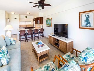 Ideal for Family/Friends! Open Kitchen, Free WiFi, Washer/Dryer–Waikiki Shore