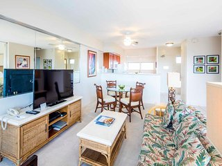 Casual Pacific View Beach Condo w/Full Kitchen, Free WiFi–Waikiki Shore #1112