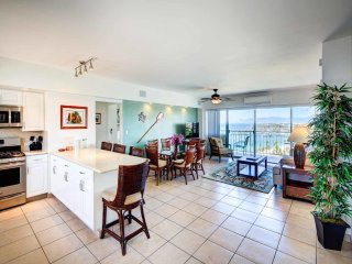 Toast Paradise! Ocean View Suite w/Kitchen, Washer/Dryer, WiFi–Waikiki Shore