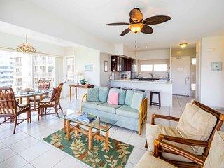 Space, Upgrades+Ocean View! Free WiFi, Kitchen, Washer/Dryer–Waikiki Shore #1418