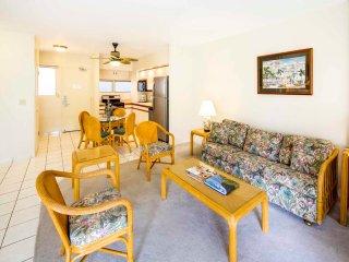 Spacious Suite w/Kitchen Convenience, Free WiFi, Washer/Dryer–Waikiki Shore #216