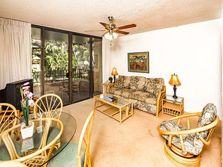 Comfy Suite w/Ceiling Fans, WiFi, Private Lanai, Kitchen Ease–Paki Maui 315