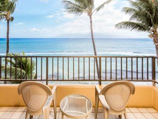 Gorgeous Ocean Vistas! Casual w/Lanai, Full Kitchen, WiFi, Ceiling Fans–Paki