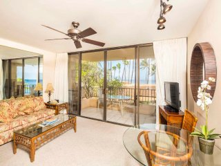 Pacific View+Stylish Island Decor! Chic Kitchen, Flat Screens, Lanai, WiFi–Paki