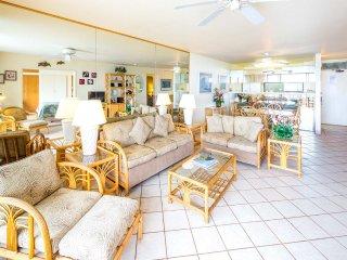 Family Pick w/Pool+Ocean View Lanai, Kitchen, WiFi, Flat Screens–Paki Maui 122