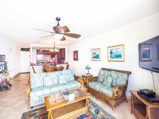 Island Chic w/Gourmet Kitchen, Flat Screen, WiFi, Lanai, Ceiling Fans–Paki Maui