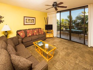 Roomy Tropical Suite w/Kitchen Ease, Lanai, WiFi, DVD, Flat Screen–Paki Maui 425