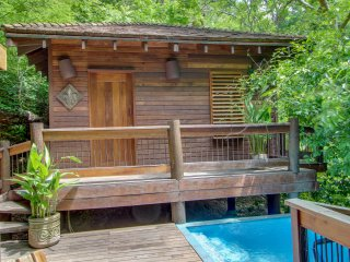 Aqua: Casa Quetzal Tree House Studio