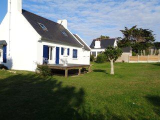 Spacious house with sea view & Wifi