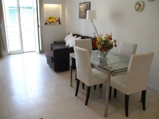 CouldBeYours!*Via Chiaia*HOME DELUXE 1bed/1bath*central*Lift*Quiet