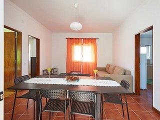 House in Carvoeira near the beach