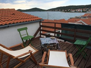 Apartment in betina, with wonderful sea view, furnished terrace and wifi