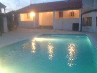 Pequena Graca Comfortable 2 bed cottage with swimming pool, relaxing location