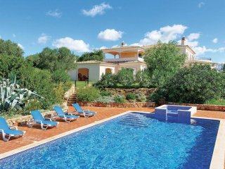Amazing 500sqm Villa near Albufeira