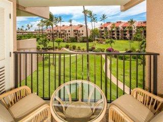 Life's a Breeze! Tropical Rental w/Kitchen Upgrades, WiFi, Lanai–Kamaole Sands
