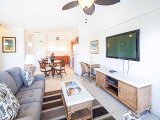 Spacious Tropical Condo w/Ocean View, Modern Kitchen, Free WiFi–Waikiki Shore