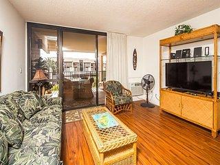 Highly Upgraded West Maui Condo! WiFi, Modern Kitchen, Lanai–Kamaole Sands 9304