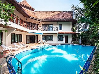 ⭐5BR Traditional Thai Pool Villa 5 mins to Beach