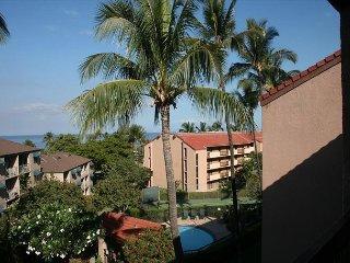 Maui Vista #2-402 Spacious 2Bd Located in the heart of Kihei near beaches