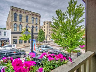 New! Charming 2BR Grand Haven Apartment w/ View!