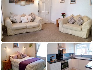 SUNNYDECK. Close to beach, town & estuary. Off road parking. Free WiFi. Sleeps 2