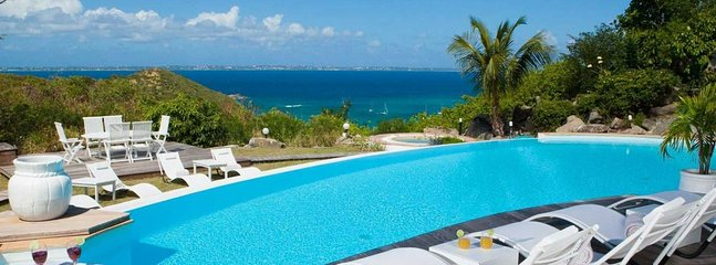 Villa Caye Blanche 4 Bedroom (Caye Blanche Is The Perfect Vacation Setting For