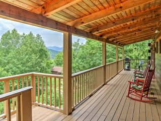 Rustic 3BR Bryson City Cabin w/ Private Hot Tub!