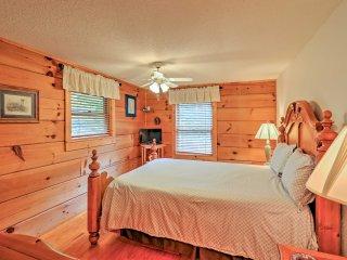 NEW! 3BR Bryson City Cabin w/ Private Hot Tub!