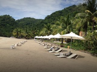 2BR vacation apartment with lagoon view at Pico de Loro