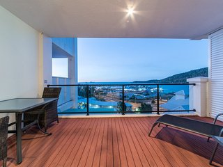 2521 Blue Horizon - Airlie Beach