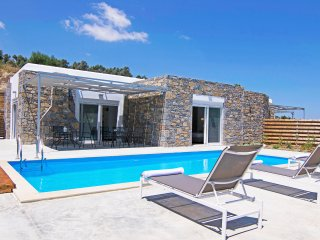 New, Spacious, Private Pool, Near tavern, Olive Grove, Great location & Views 1