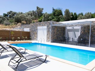 New, Spacious, Private Pool, Near tavern, Olive Grove, Great location & Views 3