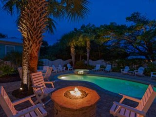 LAST MINUTE SPECIALS 10% Beach Home in Seaside! Elevator - Private Pool - 100 ya
