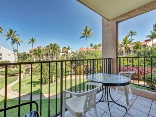 Homey Comfort+Style! Upgraded Kitchen, WiFi, Roomy Lanai–Kamaole Sands 7208