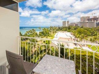 Easy Beachfront Living w/Sharp Upgrades, Free WiFi, Kitchenette –Waikiki Shore