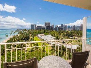 Ocean View+Homey Touches! Washer/Dryer, Kitchenette, Free WiFi–Waikiki Shore
