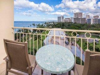Island Living w/Sunset View, Free WiFi, Kitchenette Ease–Waikiki Shore #915