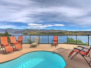 Lakefront Chelan House w/Private Pool & Mtn Views!