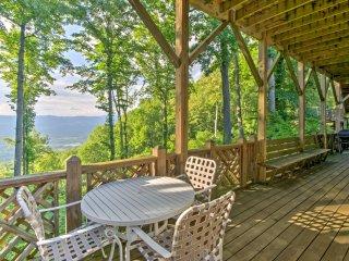 NEW! 1BR Weaverville Cabin w/ Stunning Mtn Views!