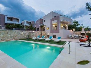 Villa Peris 2 / Small distance to the beach