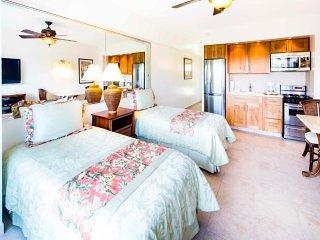 Tropical Beach Rental w/Upgraded Kitchenette, Free WiFi–Waikiki Shore 415
