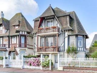 Maison normande a Deauville, vue mer