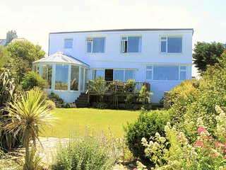 Picturesque cottage in Crantock, stunning seaviews, 5mins to beach,