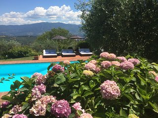 Bellevue, luxury villa with pool near Florence