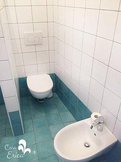 Il bagno ristrutturato nel 2017 (1)
