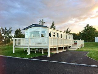 Emmara holiday home with private hot tub and easy access for wheelchair users .