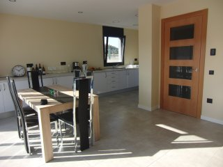 Les Aigues: Casa Moderna y nueva de 4 habitaciones y 200+m2 con piscina privada
