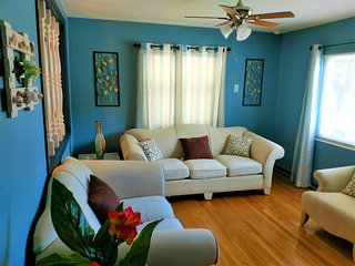 Vacation Home Rental - 6 Minutes From Clearwater Beach 2BR/1 + Garage