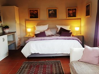 Meerkat Selfcatering - Romantic, Comfortable with Spectacular Views..