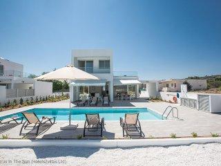 Cyprus In The Sun Celebrity HollyOaks Villas 5 Platinum